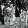 Na grobach rodziców